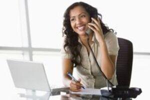 Lợi ích của việc trau dồi kỹ năng giao tiếp qua điện thoại với khách hàng
