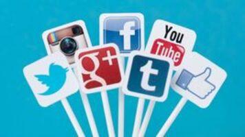 10 công việc trả tiền để bạn lướt các trang mạng xã hội cả ngày